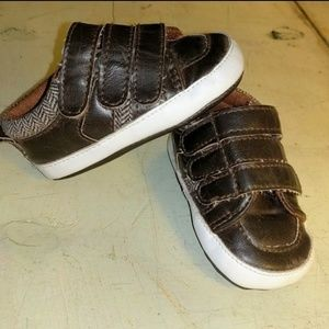 9692c04d4cf25 Size 4 Okie Dokie Brown Baby Velcro Shoes